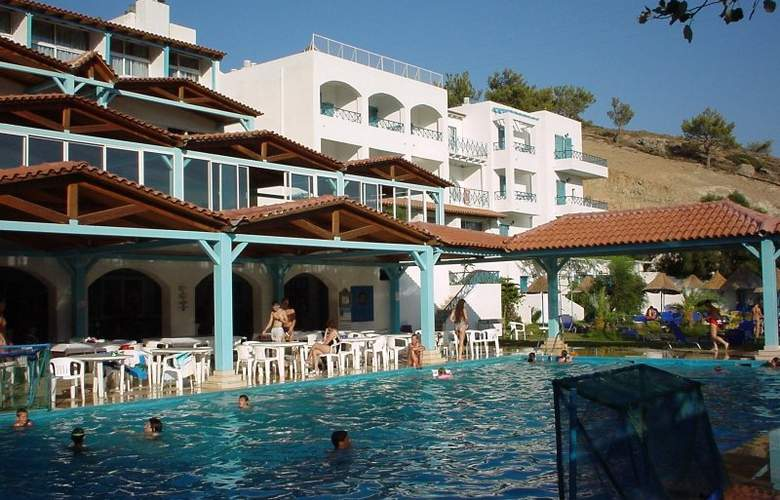 Eden Rock Village Hotel - Pool - 25