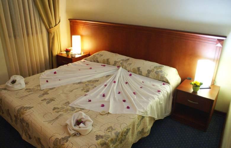 Santa Marina Hotel - Room - 1