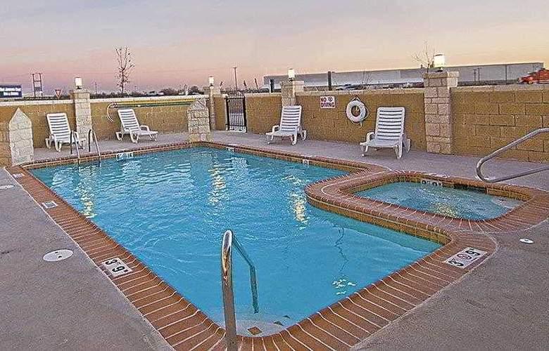 Best Western Plus San Antonio East Inn & Suites - Hotel - 16