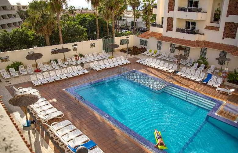 Oro Blanco Apartments - Pool - 3