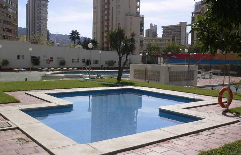 Gemelos II-IV F. Arena - Pool - 4