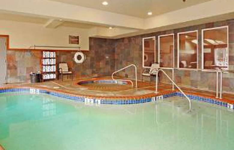 Comfort Inn & Suites by Seaside Convention Center - Pool - 5