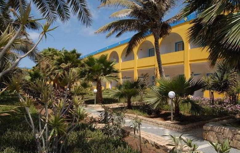 Djadsal Holiday Club - Hotel - 0