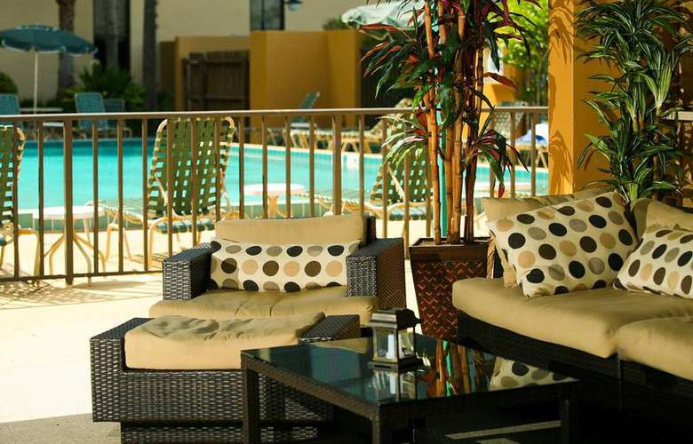 Best Western Plus Orlando Gateway Hotel - Pool - 2