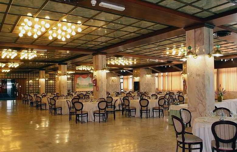 Gran Hotel Pinetamare Club Resort - Restaurant - 6