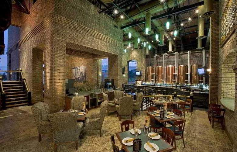 Four Points by Sheraton Galerias Monterrey - Restaurant - 16