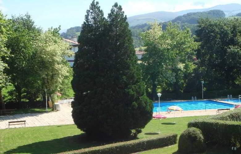 Baztan - Pool - 15