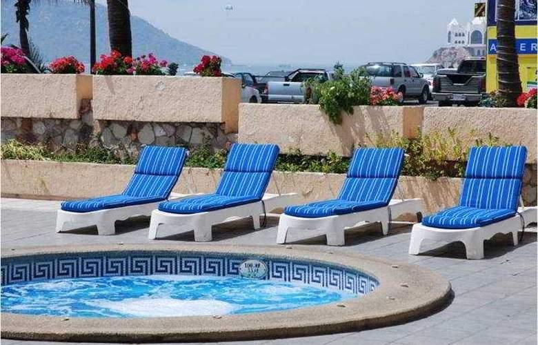 Don Pelayo Pacific Beach - Pool - 6