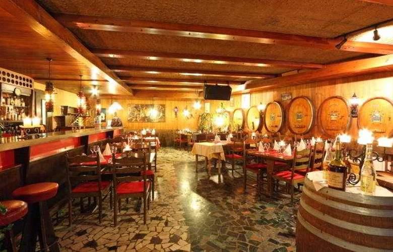 Graechen Swiss Quality Turm Hotel - Restaurant - 10