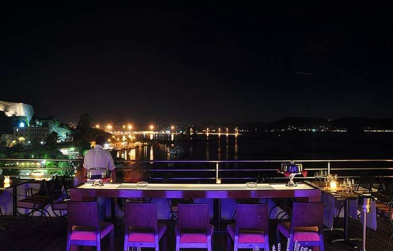 City Marina Hotel - Terrace - 8