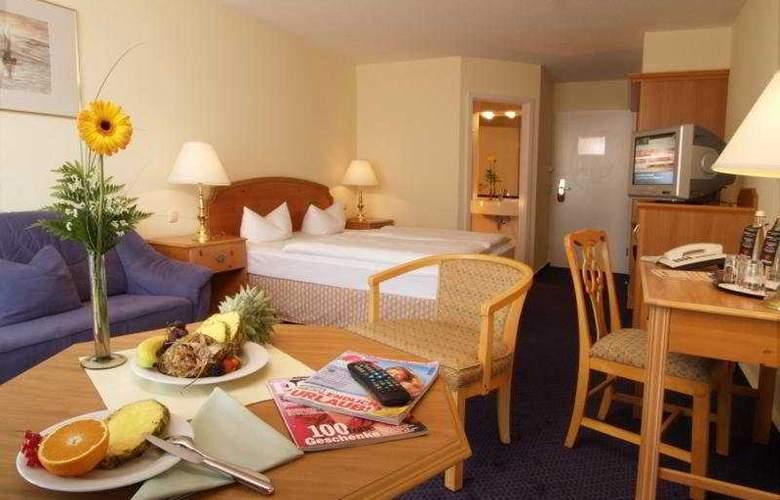 Kaiser Spa Hotel Zur Post - Room - 4
