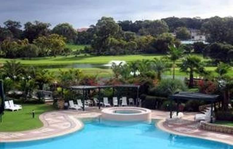 Joondalup Resort - Pool - 2