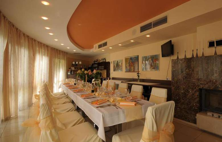 Best Western Hotel Antares - Restaurant - 87