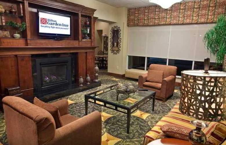 Hilton Garden Inn Raleigh Triangle Town Center - Hotel - 6