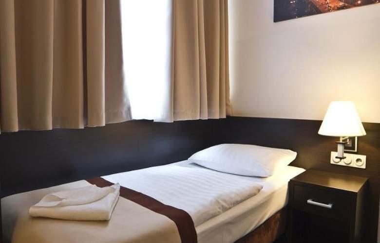 Ivbergs Htl Premium - Room - 8