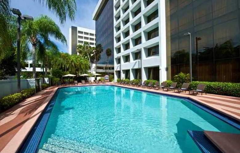 Embassy Suites Palm Beach Gardens - PGA Boulev - Hotel - 2