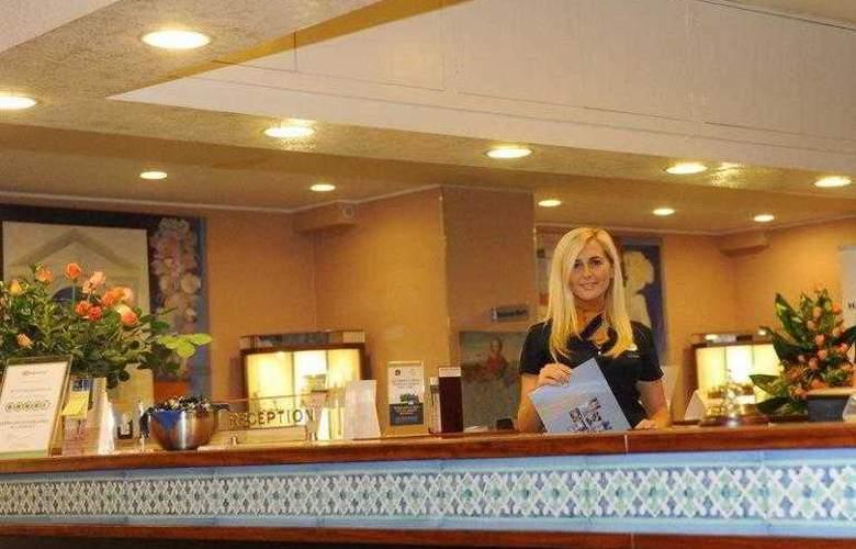 Best Western Mediterraneo - Hotel - 31