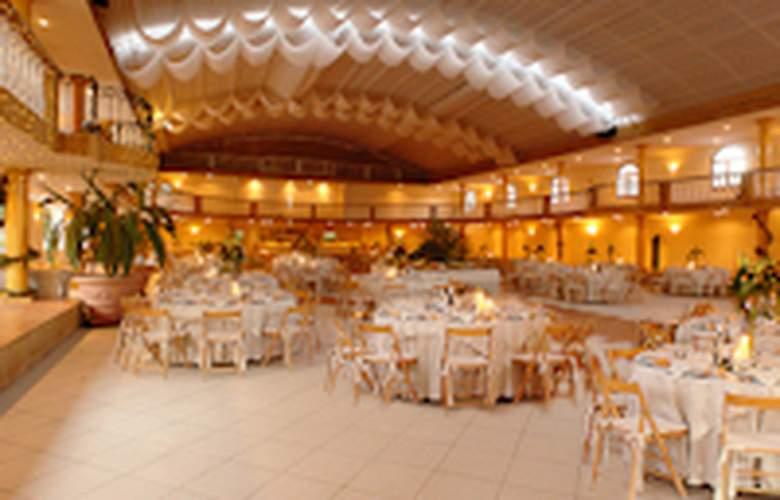 Quinta da Lagoa Hotel & Villas - Restaurant - 3