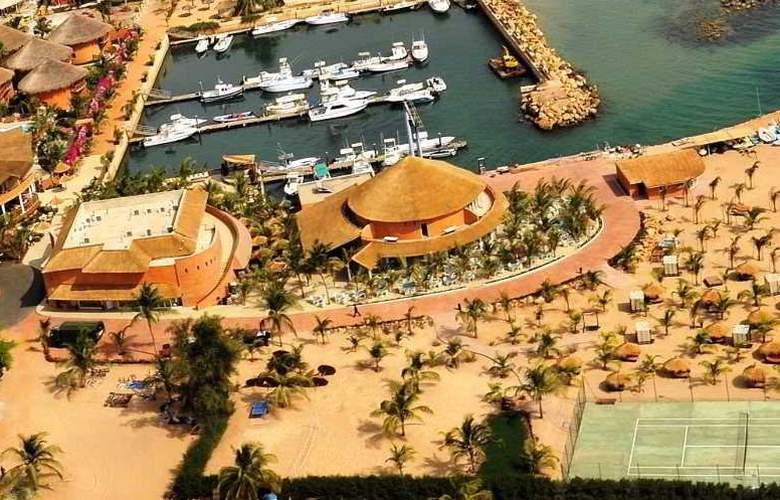 Lamantin Beach Hotel - Hotel - 3