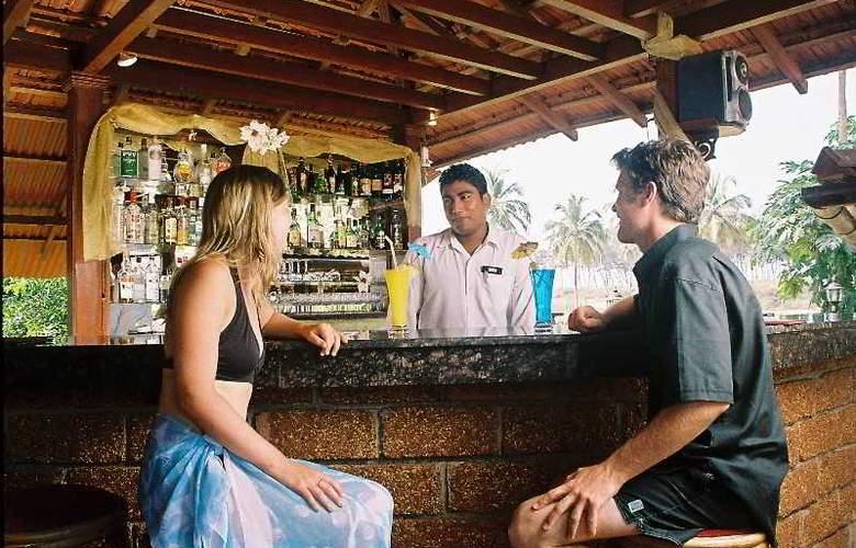Coconut Grove - Bar - 19