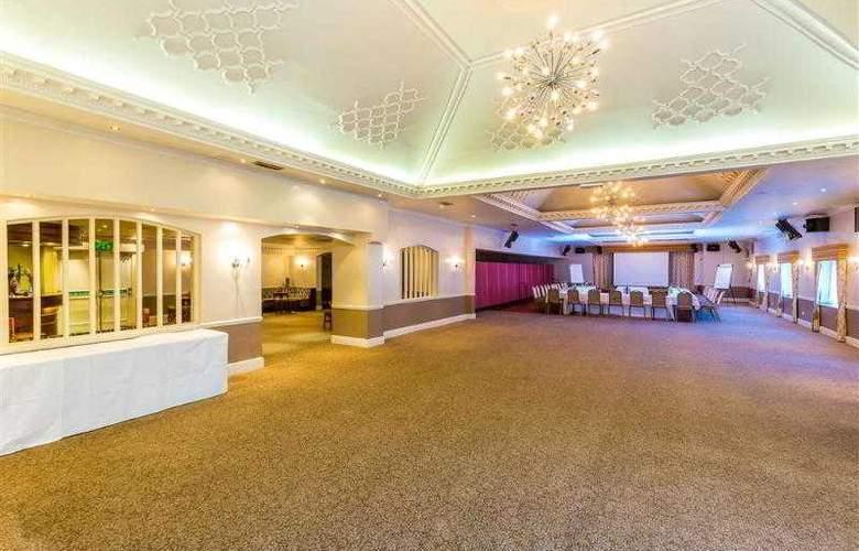 Best Western Consort Hotel - Hotel - 35