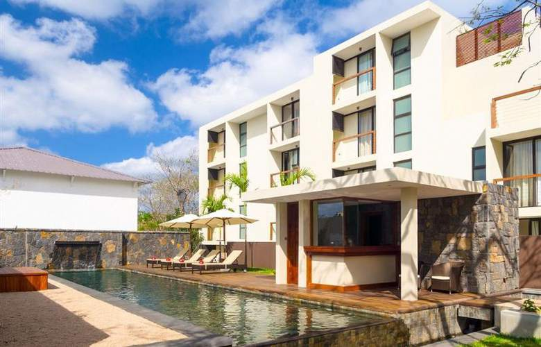 Belle Haven Luxury Apartments - Pool - 1
