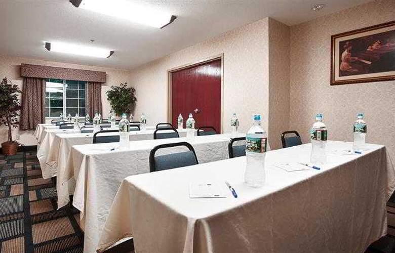 Berkshire Hills Inn & Suites - Hotel - 54