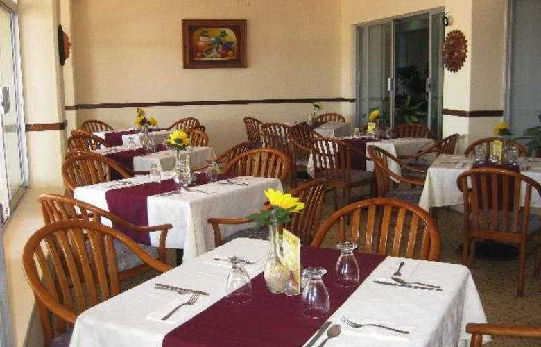 Don Pelayo Pacific Beach - Restaurant - 9
