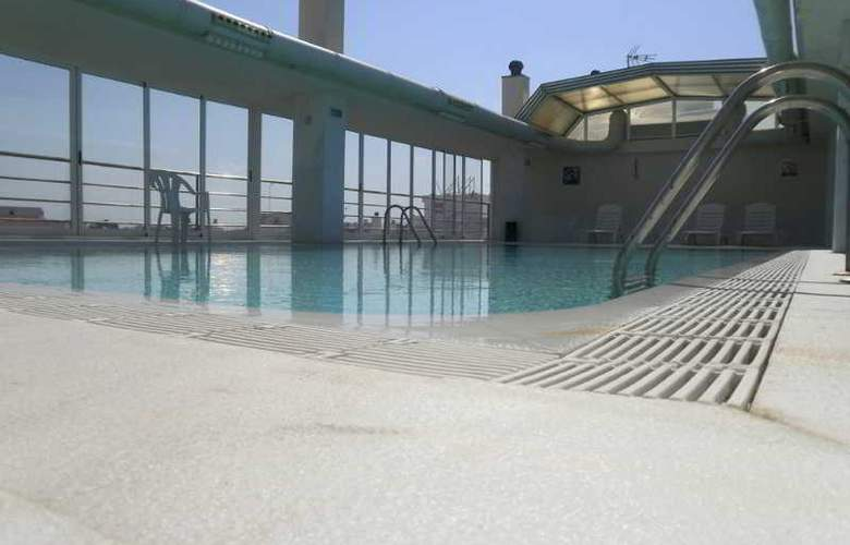 Bartos - Pool - 4