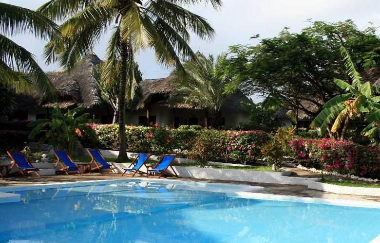 Dorado Cottage - Pool - 2