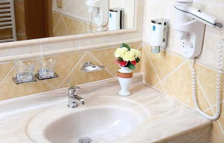 Romance Puskin Hotel - Room - 8