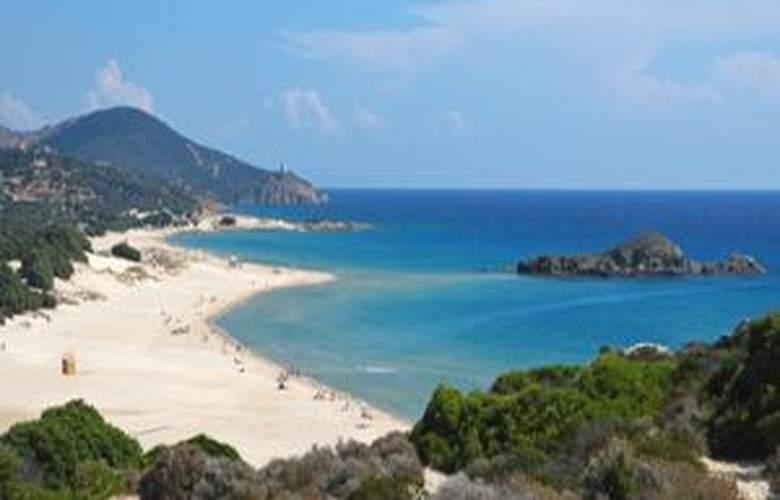 Chia - Beach - 2