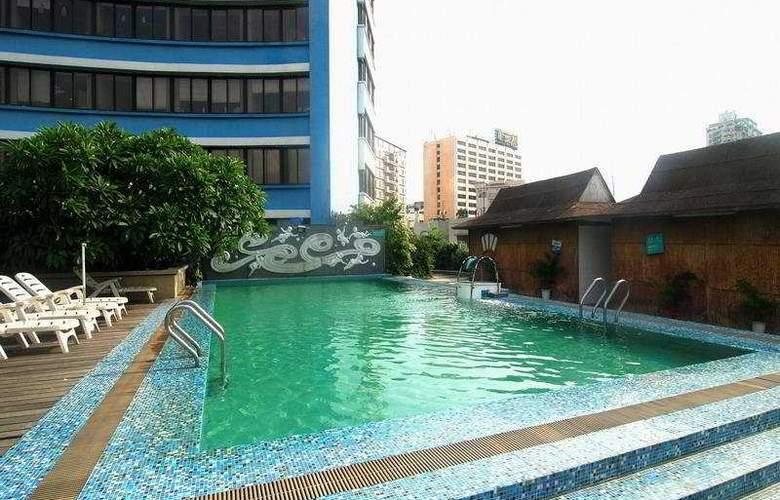 Yihe Ou Zhuang - Pool - 4
