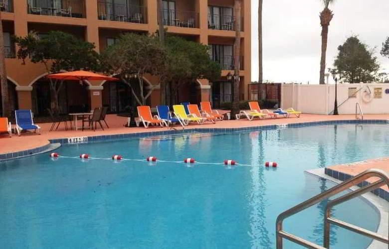 Ramada Kissimmee Downtown - Pool - 3