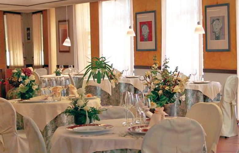 Bluebay Colle Della Trinità Perugia - Restaurant - 14