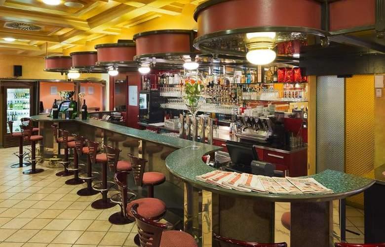 Vienna Sporthotel - Bar - 17
