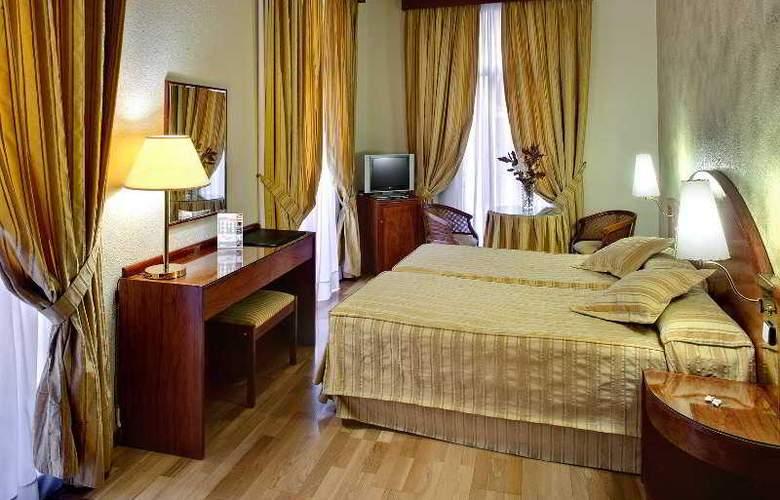 Del Mar - Room - 12