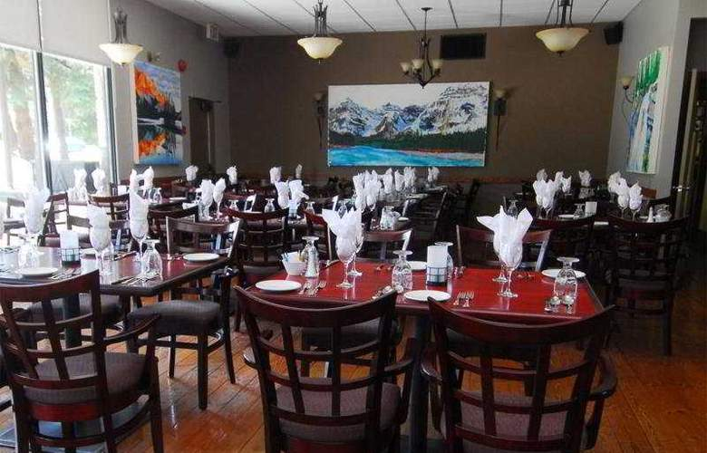 Tonquinn Inn - Restaurant - 11