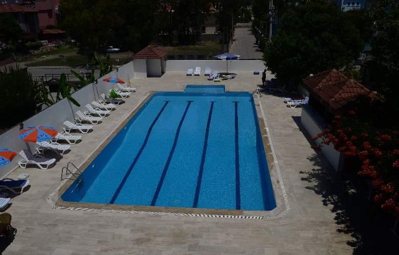 ROSARY BEACH HOTEL - Pool - 2