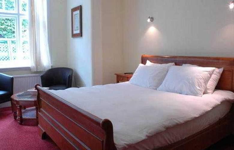 Raven Hotel - Room - 2