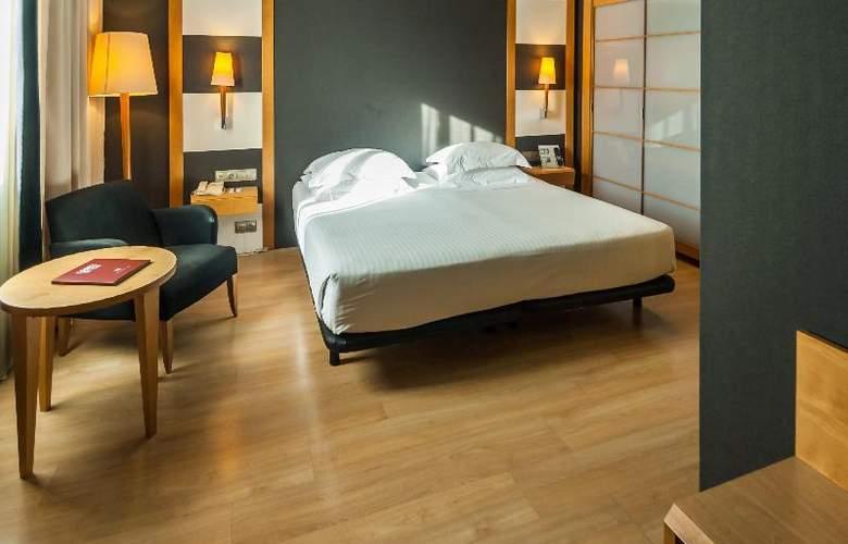 Barcelona Universal - Room - 54