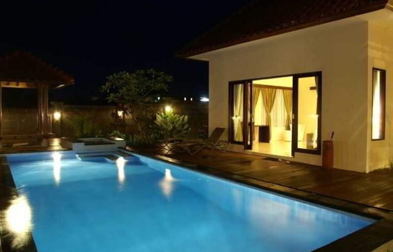 Villa Aamoda Bali - Pool - 7