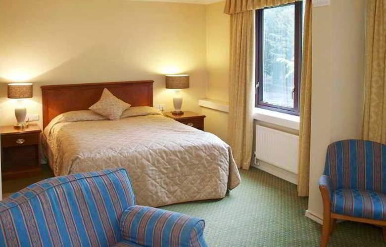 Kenwood Hall - Room - 3