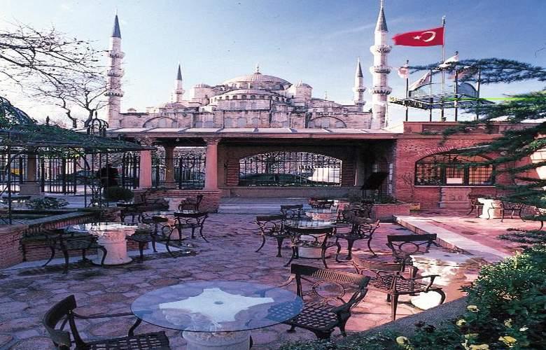 Sultanahmet Palace Istanbul (Otel Sultanahmet Sarayı) - Terrace - 11