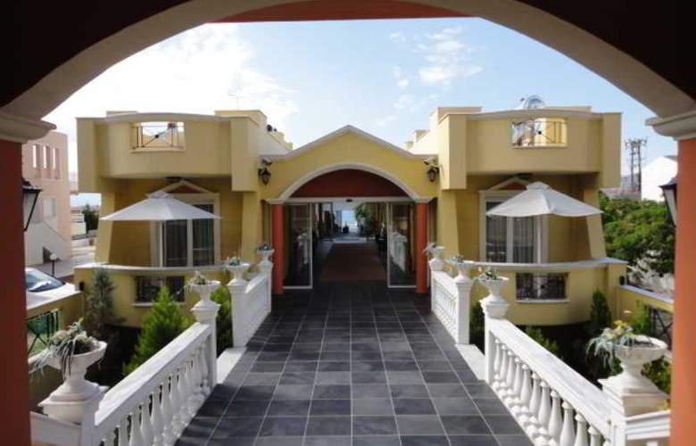 Cristina Maris Hotel - Hotel - 5
