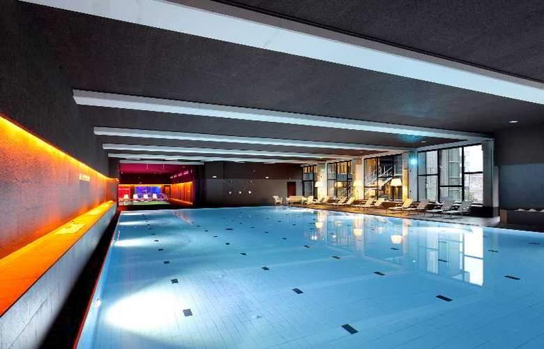 Occidental Bilbao - Pool - 32