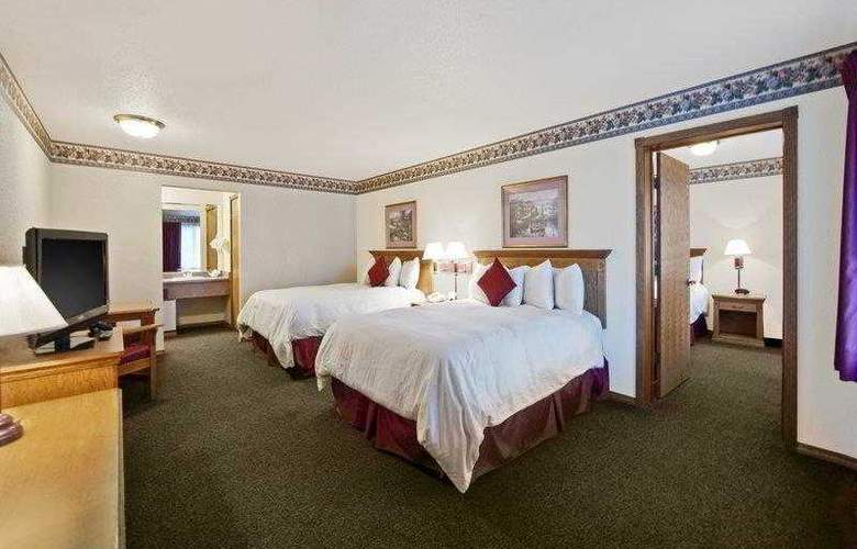Best Western Plus Bayshore Inn - Hotel - 7