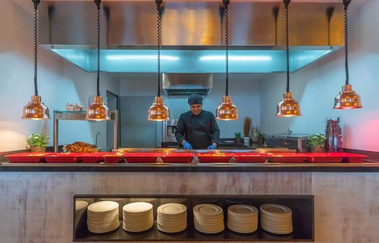 PortBlue Rafalet Apartments - Restaurant - 12