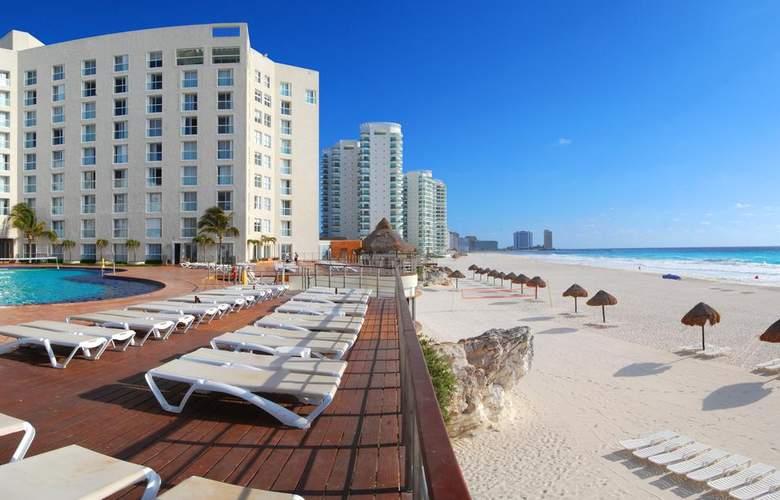 Sunset Royal Beach Resort - Hotel - 4