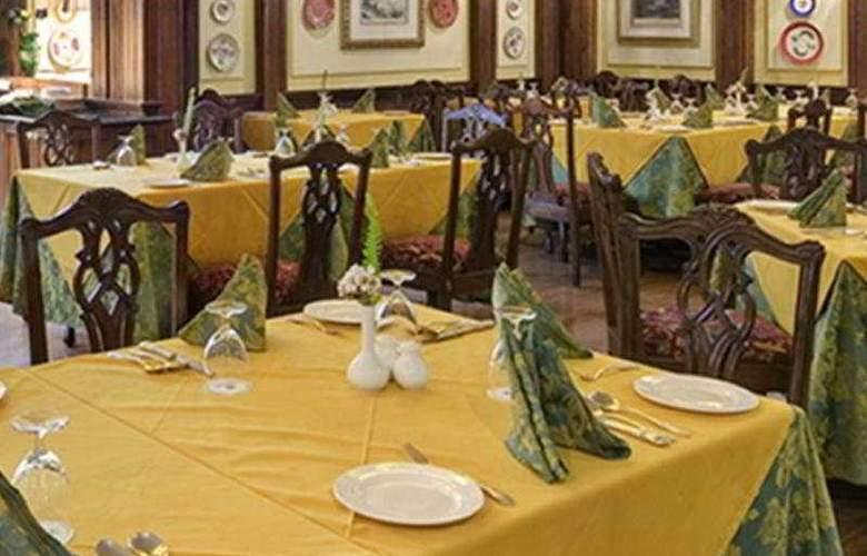 Mayfair Hill Resort - Restaurant - 7